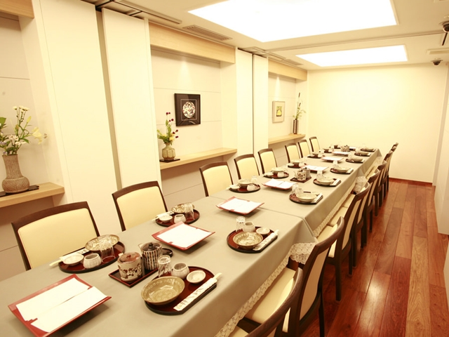 3階宴会席。ご利用人数に合わせたお部屋をご提案します。