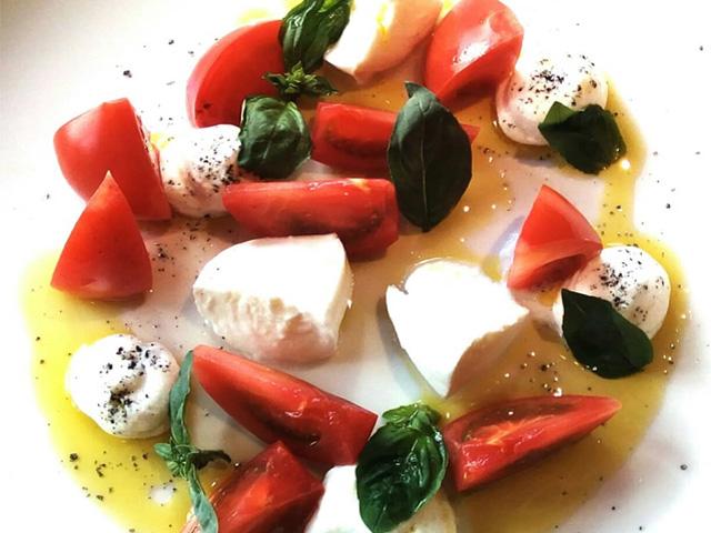 こだわりの食材を使ったイタリア郷土料理の数々がお客様を飽きさせません。