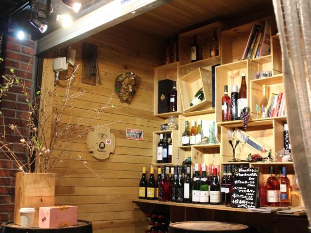 1階のワインショップ『わいんすき』でおうち飲み用・ギフト用ワインの購入も