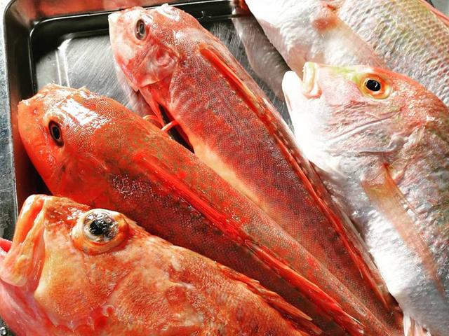 その日に良いものを信頼できる魚屋さんから毎日仕入れております。