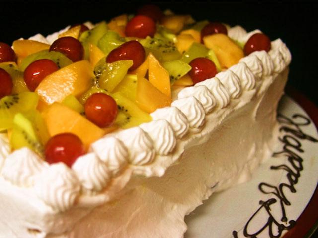 貸切のお客様には無料でホールケーキをサービスいたします。