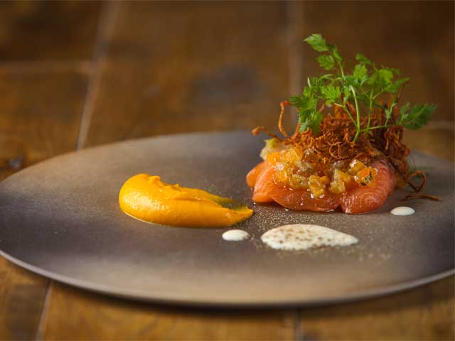 世界で一番空気や水が綺麗なタスマニア島のサーモン。お肉だけではない、オーストラリアの食材をお楽しみ下さい。