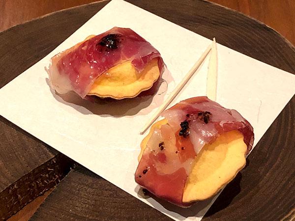 (温前菜)トリュフの揚げラビオリ イベリコの生ハムとハニートリュフソース