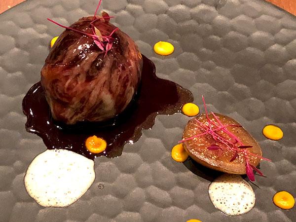 (お肉料理)那須高原椎茸と豚肉のカイエット 無花果のキャラメリゼ