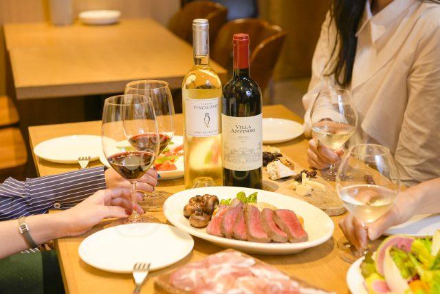 外食でのワインの席