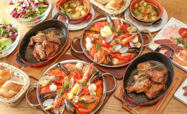 地中海バル GRATERRA 新宿3丁目店の料理