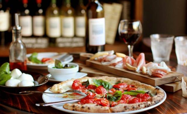 伊太利亜市場BARの料理とワイン