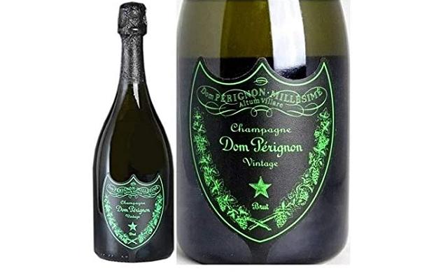ドンペリ ルミナスのボトルとラベルのアップ