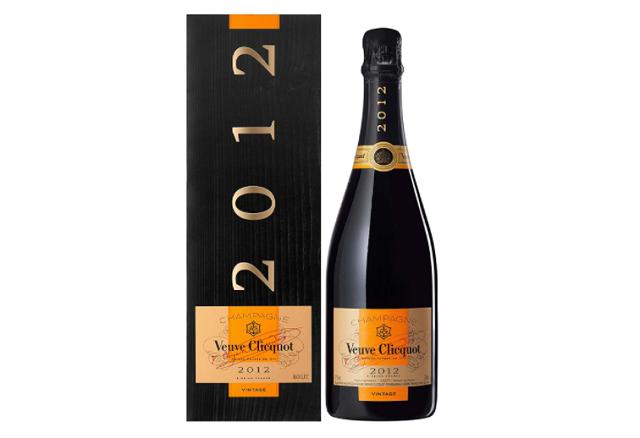 ヴーヴ・クリコ ヴィンテージ2012のボトルと箱