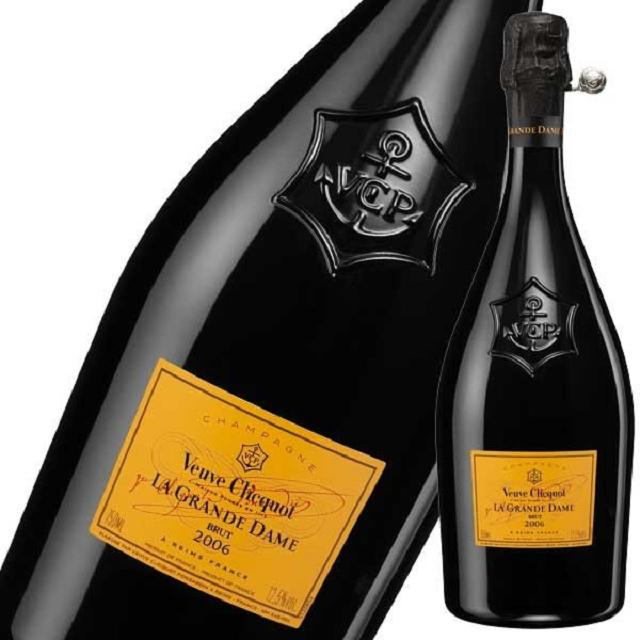 ヴーヴ・クリコ ラ・グランダムのボトルとラベルのアップ