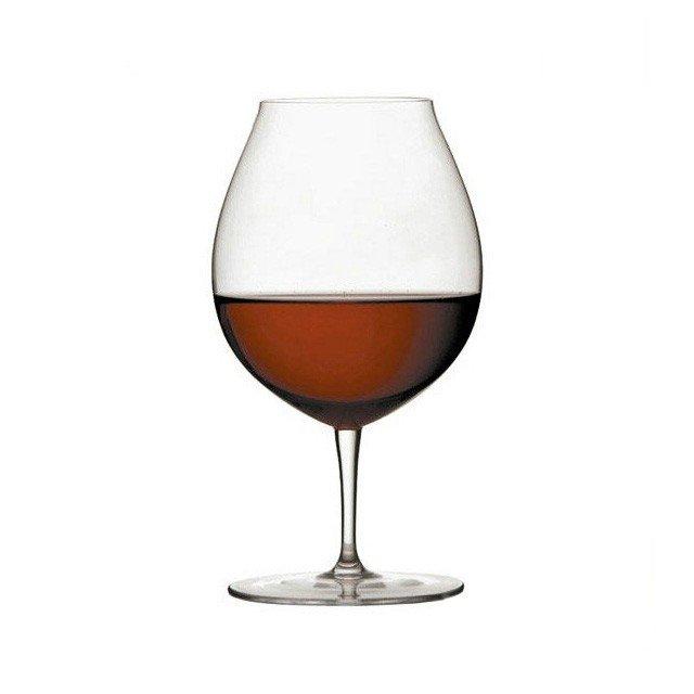 赤ワインが入っている、ロブマイヤーのバレリーナ ワイングラスⅢ