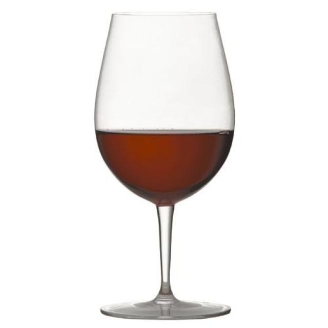 赤ワインが入っている、ロブマイヤーのバレリーナ ワイングラスⅣ