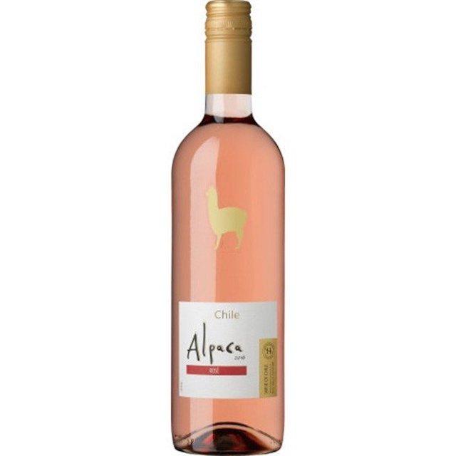 透明の瓶にAlpacaと表記された白いラベルのロゼワイン